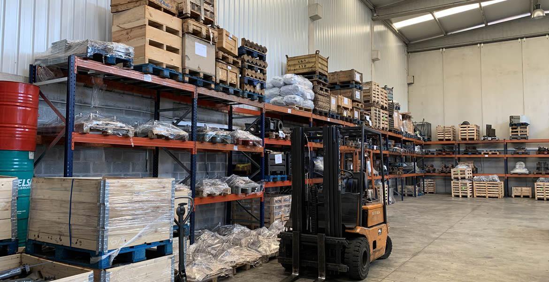 En Talleres Argote contamos con más de 500 m2 de instalaciones dedicadas exclusivamente al almacenamiento de las piezas que fabricamos