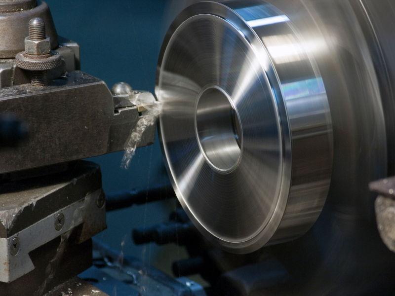 Talleres Argote fabrica piezas metálicas por mecanizado para multitud de sectores